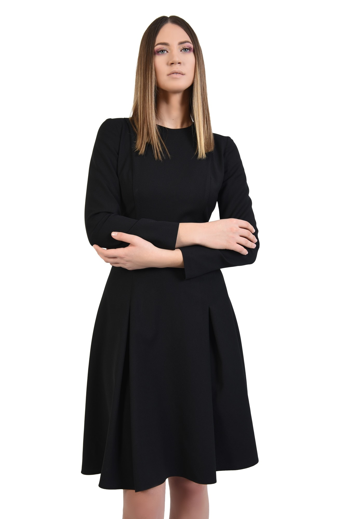 rochie neagra, midi, din crep, maneci lungi ajustate