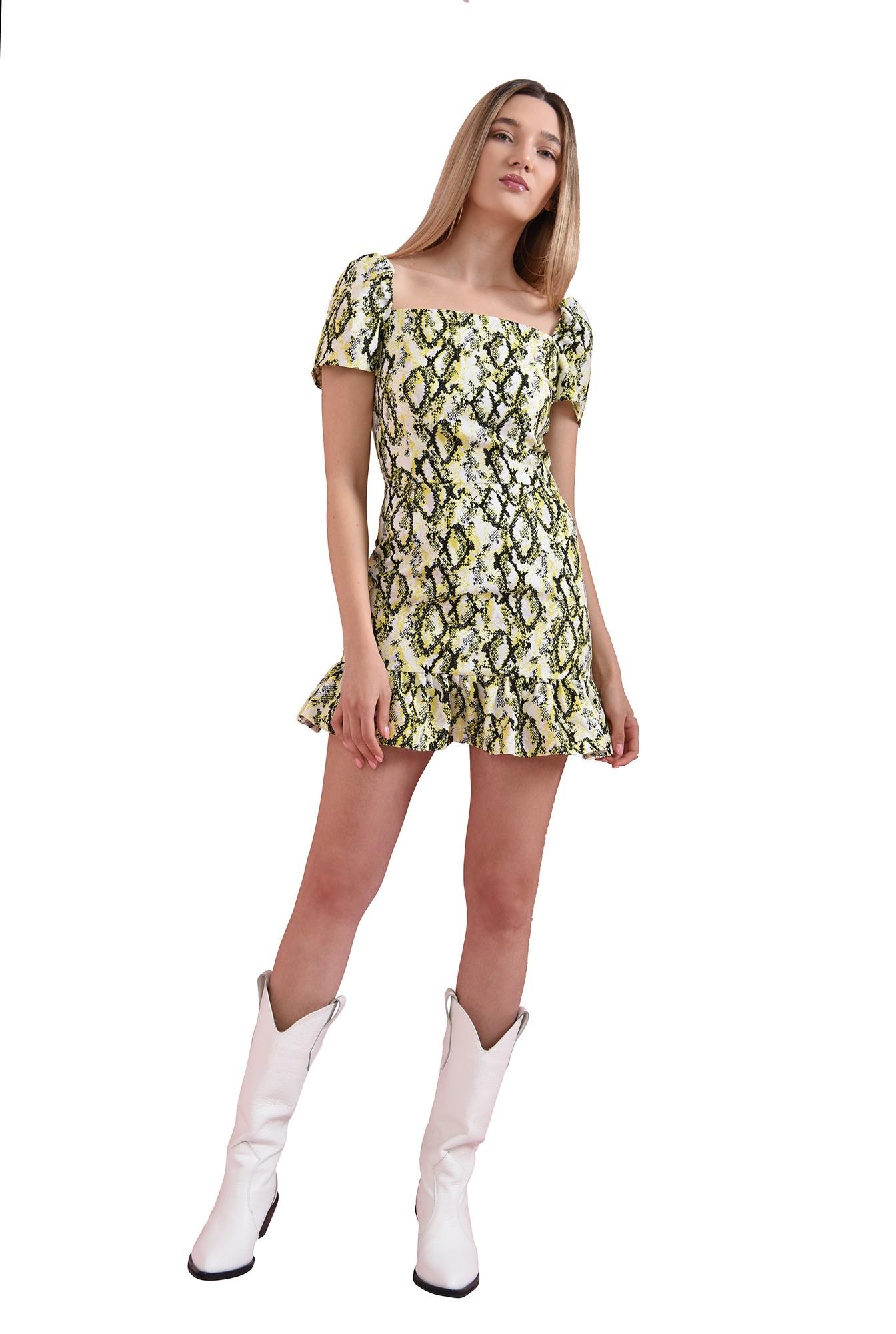 rochie cu imprimeu sarpe, cu maneca scurta