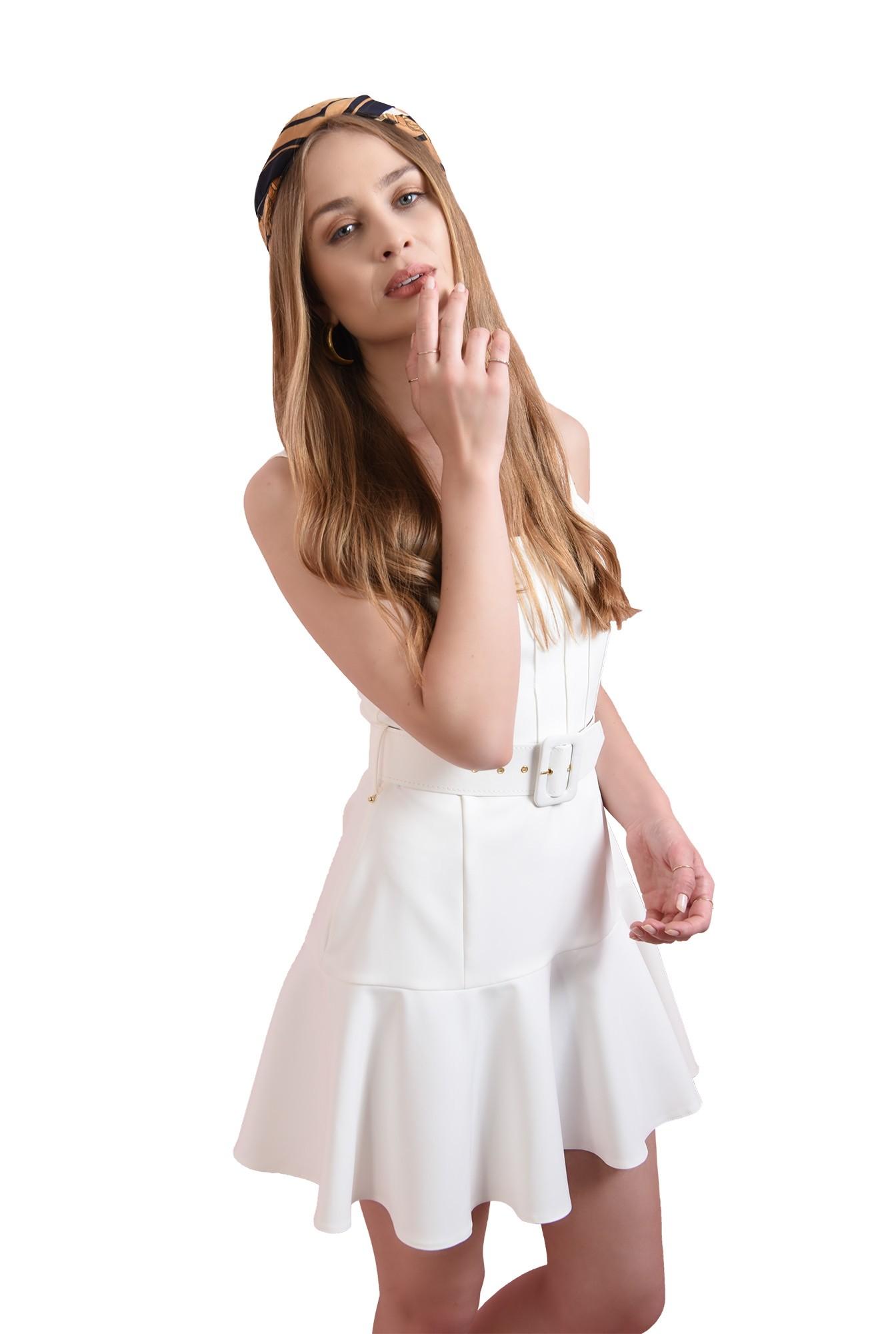 rochie alba, evazata, scurta