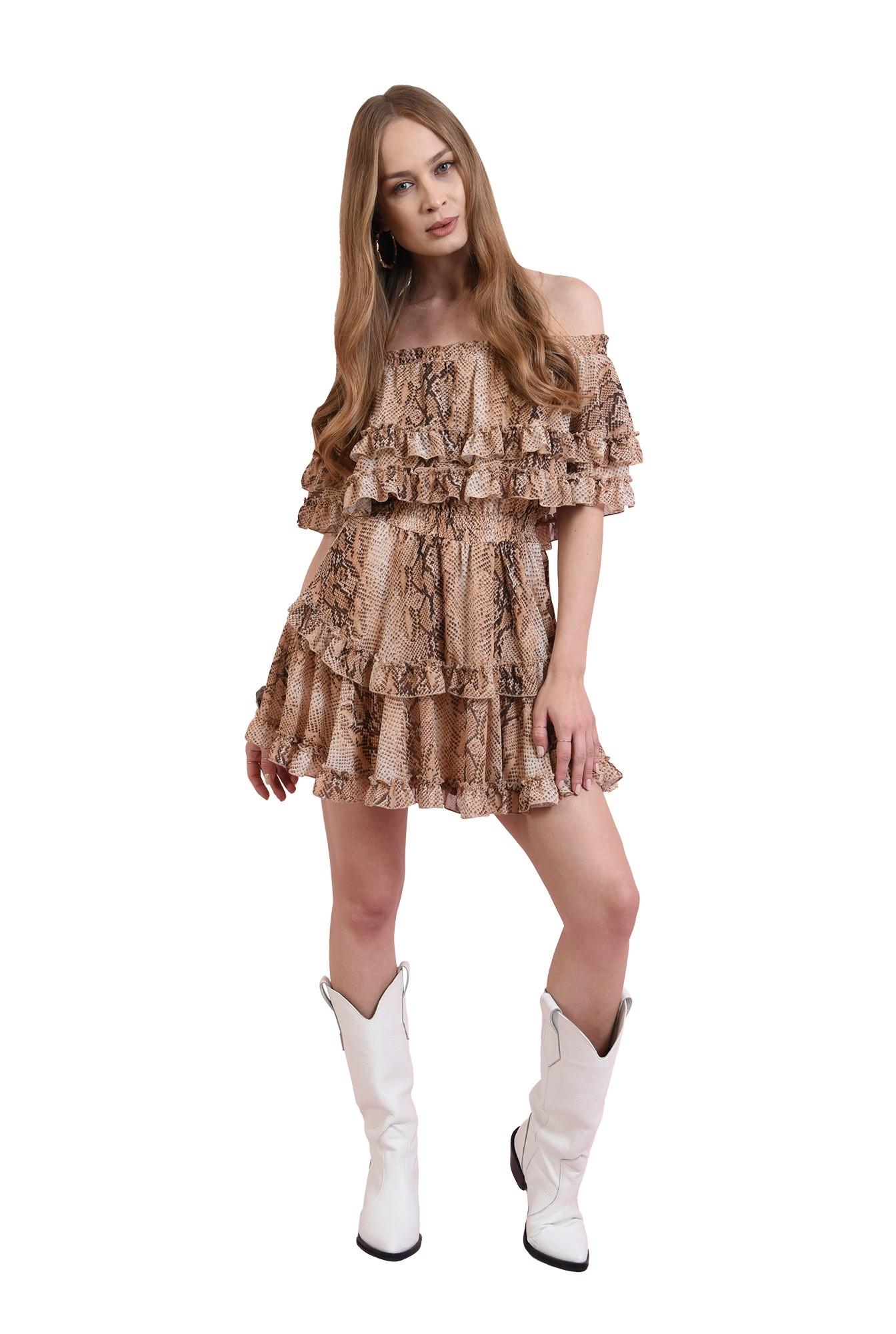 rochie cu umeri goi, cu imprimeu