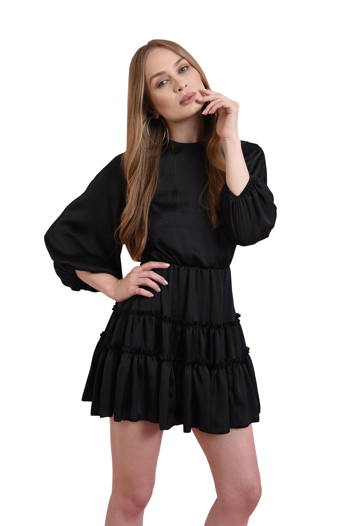 rochie scurta, neagra, cu volan