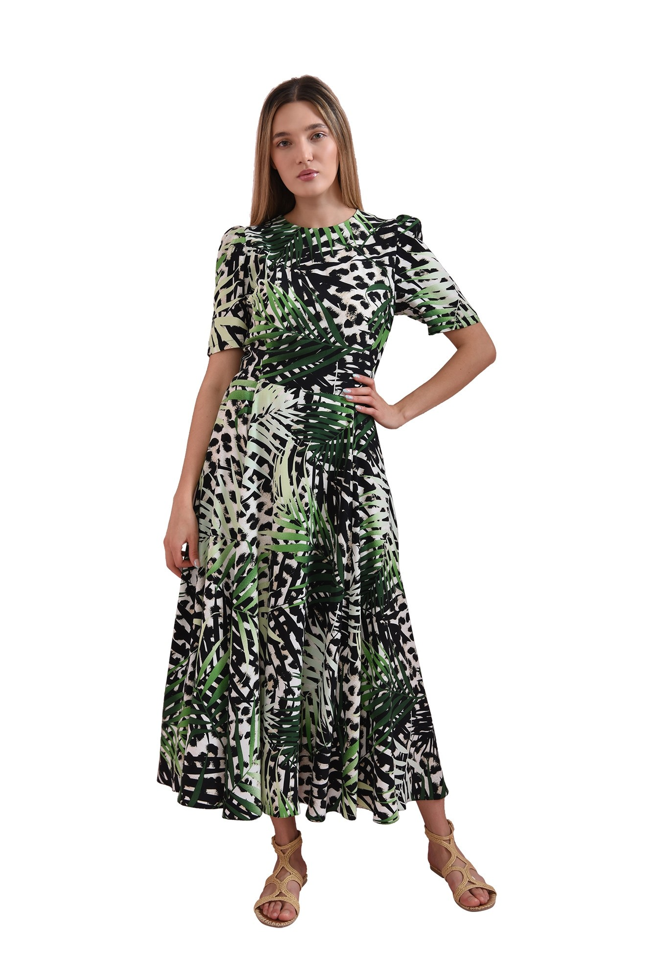 rochie evazata, cu maneca lunga
