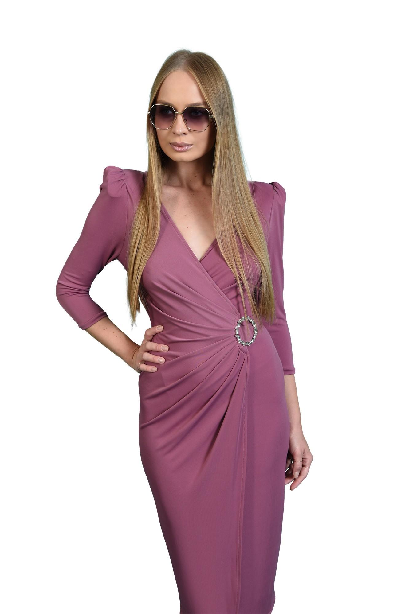 rochie petrecuta, mov, cu accesoriu metalic