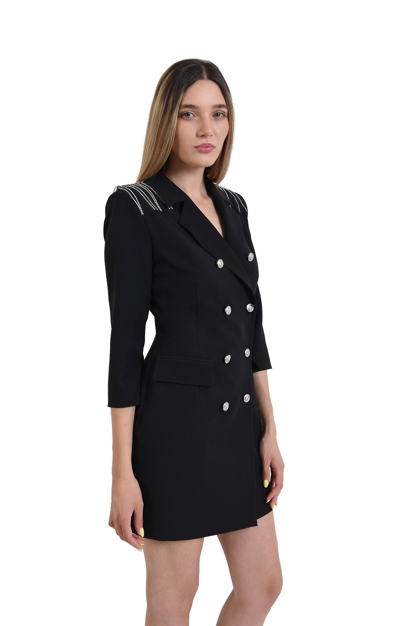 rochie neagra, stil sacou, cu nasturi metalici