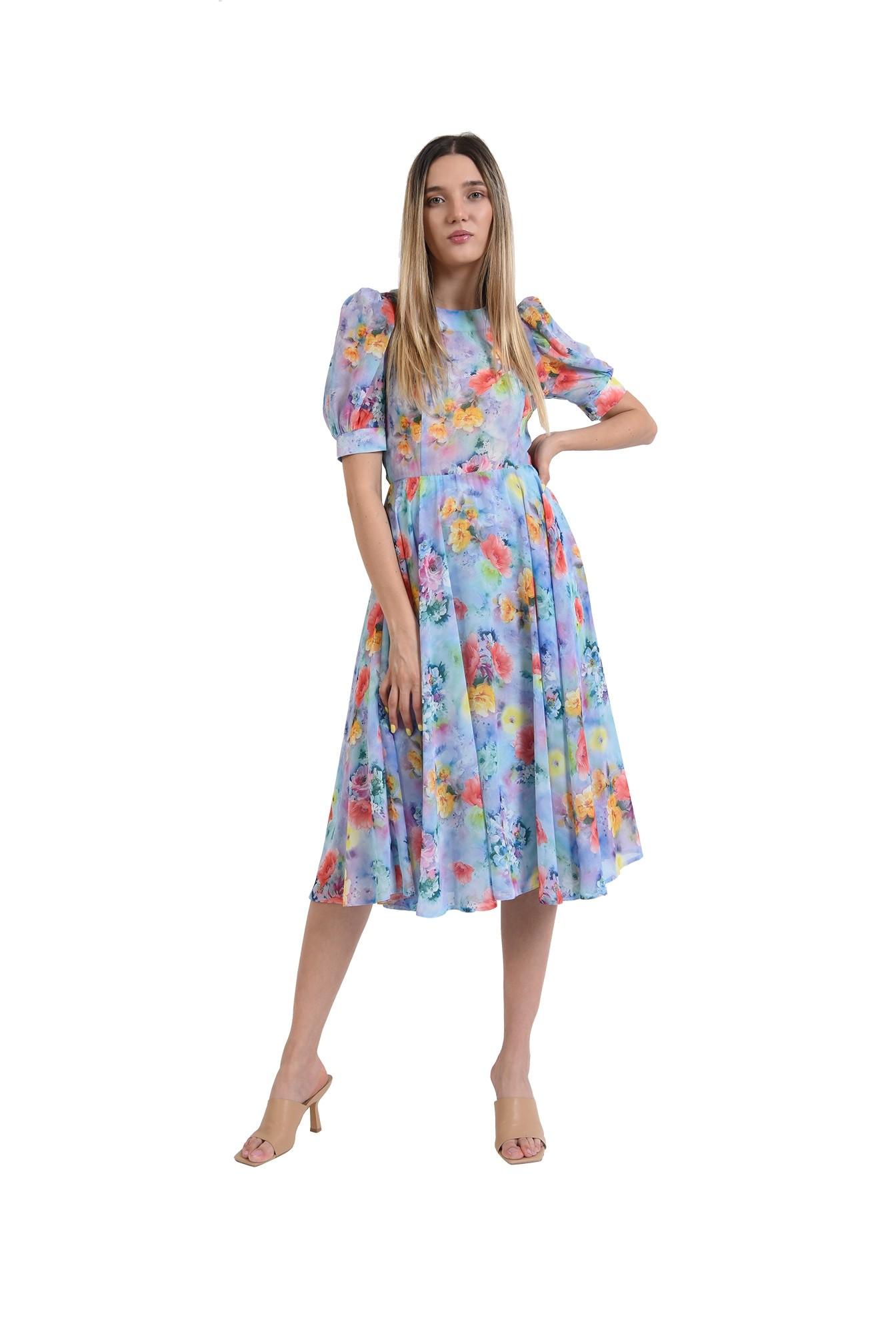 rochie eleganta, cu motive florale, cu umeri accentuari