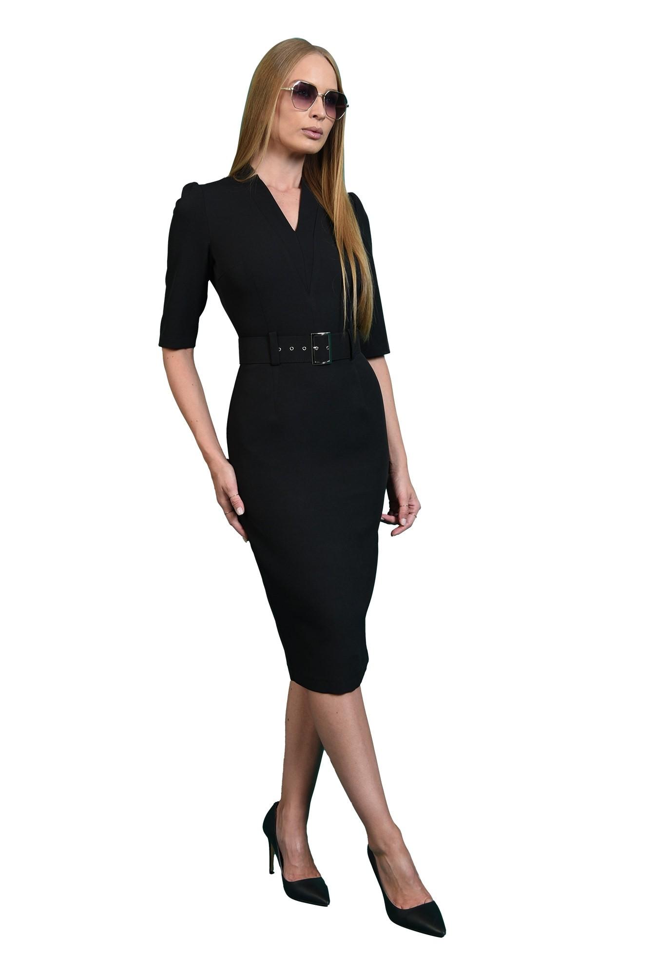 rochie neagra, conica, cu revere crestate