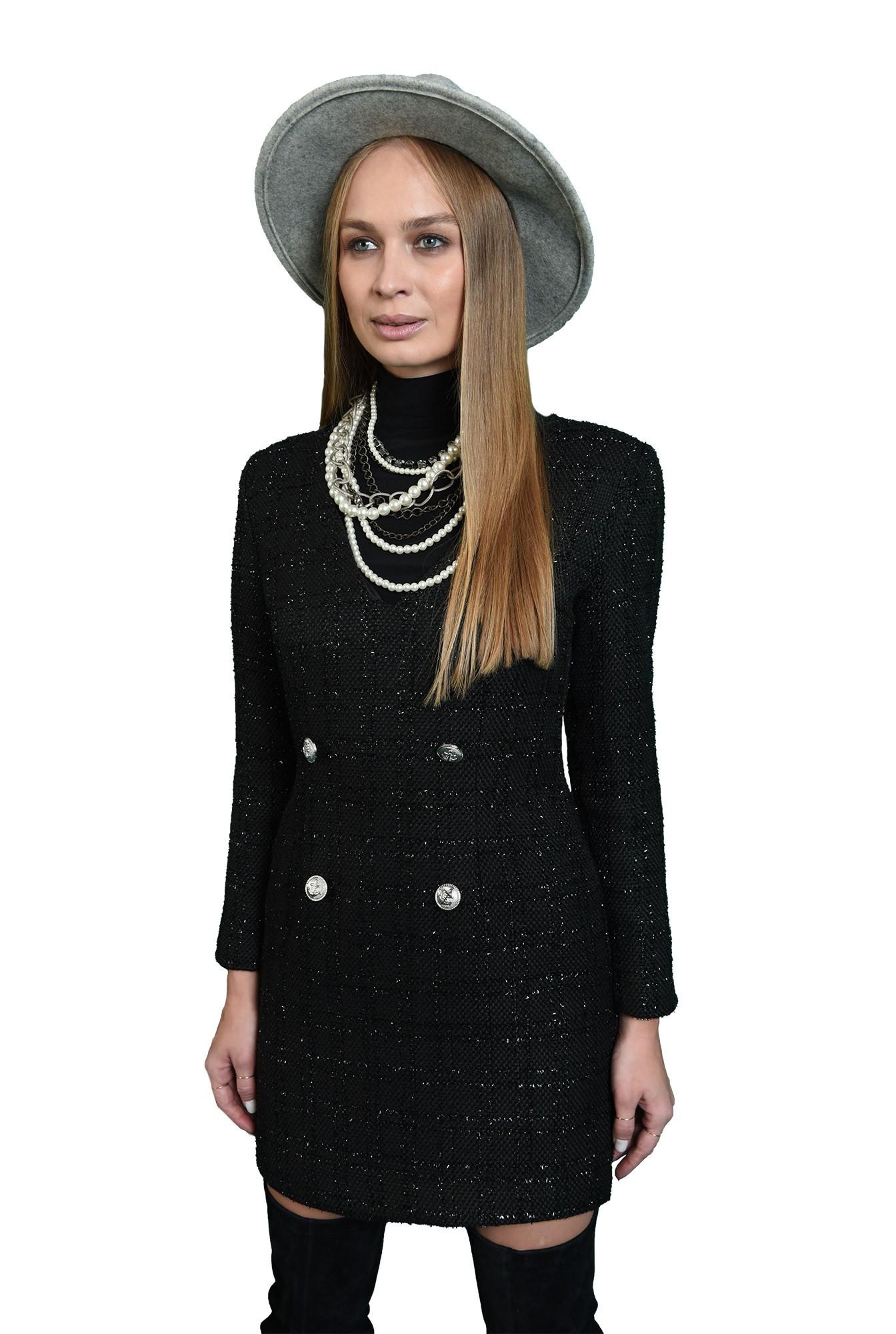 rochie neagra, cu fir argintiu, cu maneca lunga