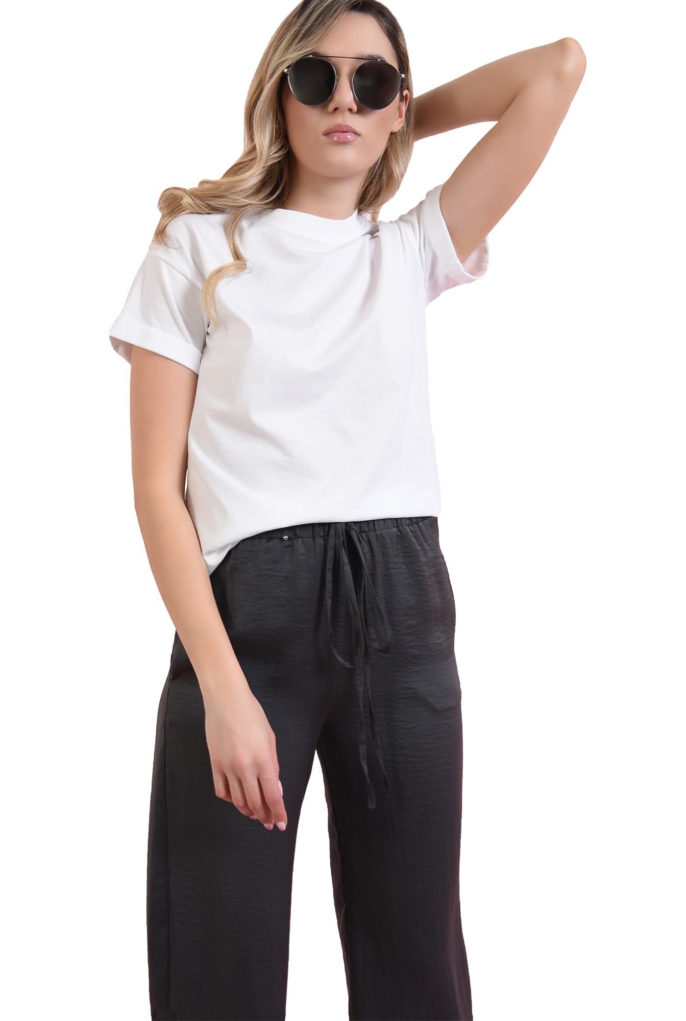 tricou cu manseta, cu detaliu la maneca