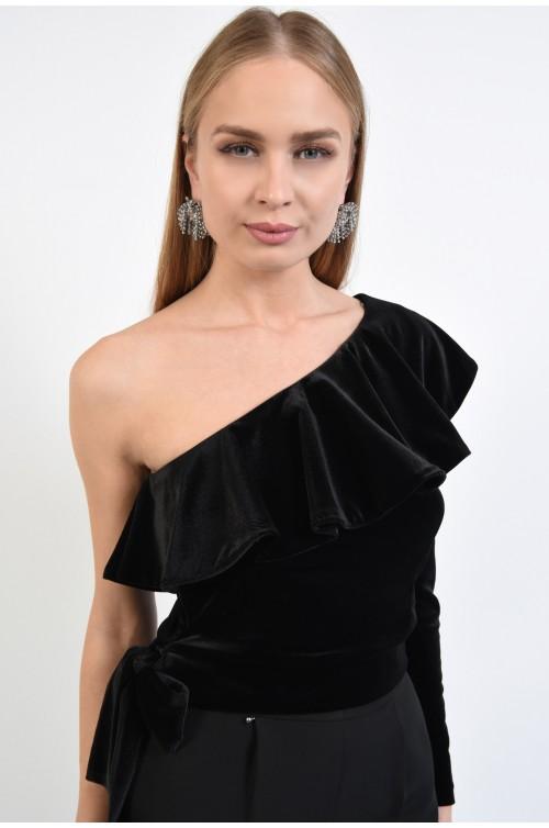 bluza eleganta, neagra, din catifea, umar dezgolit