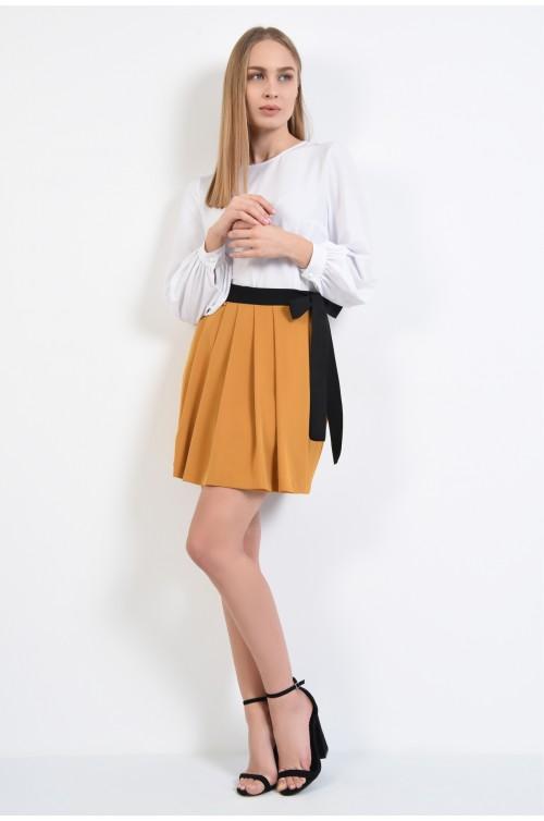 360 - fusta casual, scurta, mustar, cu talie inalta, cordon si funda din rips in contrast