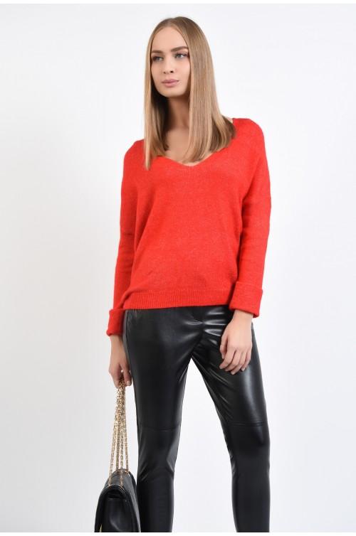 pulover rosu, cu anchior, maneci cu mansete rulate, croi drept lejer