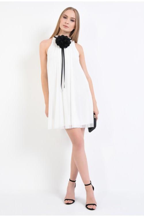 360 - rochie de ocazie, alb, tul, aplicatie in contrast, croi evazat, fara maneci