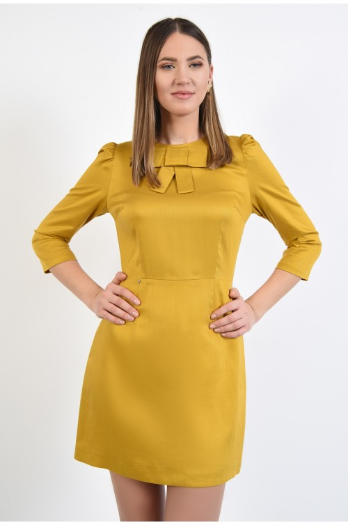 rochie mini, cambrata, cusatura in talie, funda aplicata